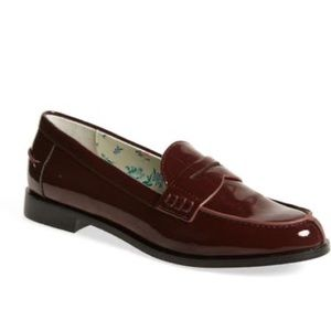 1901 Niles Penny Women's Glossy Loafer in Burgundy